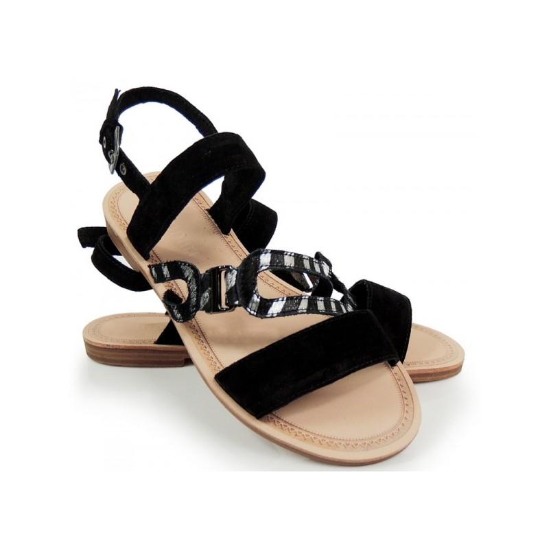 7bd02cc700808 Dámske nízke sandále čiernej farby na leto - fashionday.eu
