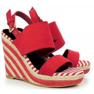 Červené dámske sandále na platforme s otvorenou špičkou a pätou