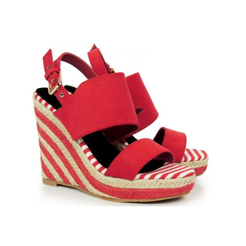 a2c5046c7d Červené dámske sandále na platforme s otvorenou špičkou a pätou ...