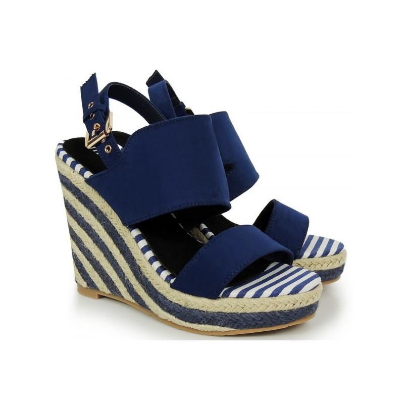 f584d07f3365 Modré dámske sandále na platforme so zapínaním - fashionday.eu