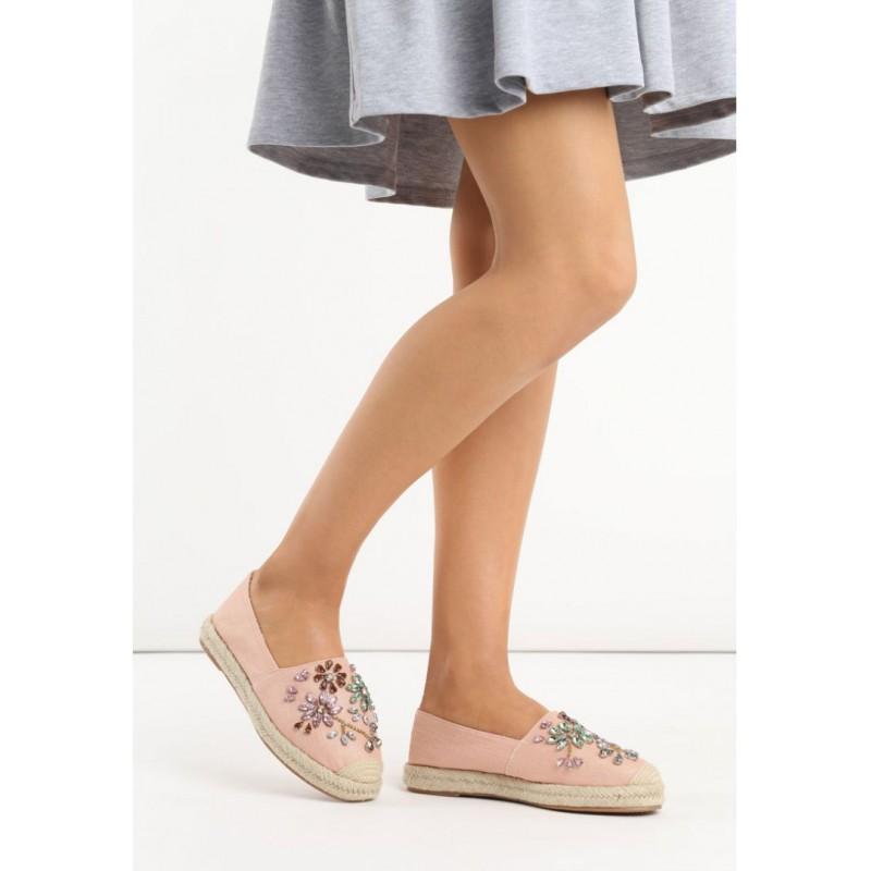 Letné dámske topánky v ružovej farbe s korálikmi - fashionday.eu 7b1ea73c1d1