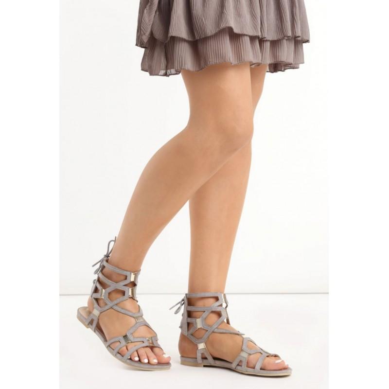 4c6dccfc3156 Sivé dámske gladiátorky na nízkej podrážke - fashionday.eu