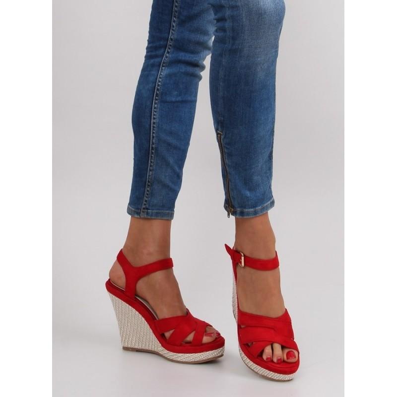 b9308c92c9 Červené letné dámske sandále na platforme - fashionday.eu