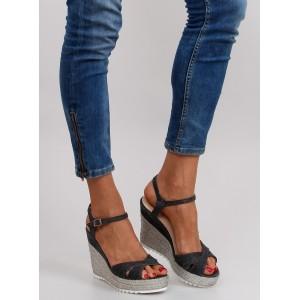 6c057e6ab9 Dámske letné sandále na platforme čiernej farby