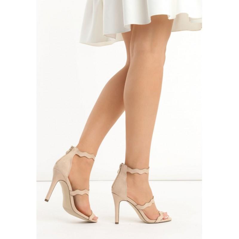 5c8a0b5924ec Semišové dámske sandále v béžovej farbe - fashionday.eu