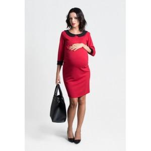 Červené tehotenské šaty s ozdobným golierom