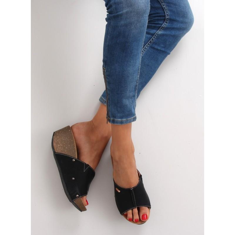 ff6bd782e715 Čierne dámske šľapky na platforme - fashionday.eu