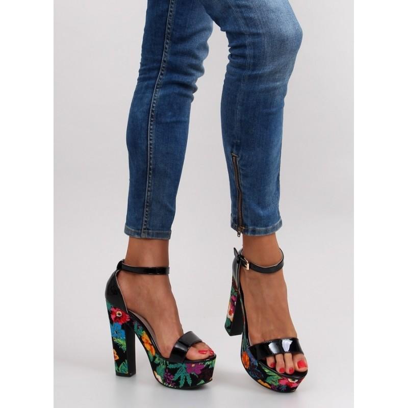 6d5067030 Dámske vysoké sandále na platforme - fashionday.eu