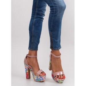 Béžové dámske sandále s kvetinovým vzorom na opätku