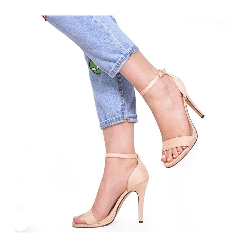 b1cdb564fc74 Béžové semišové dámske sandále na vysokom opätku - fashionday.eu