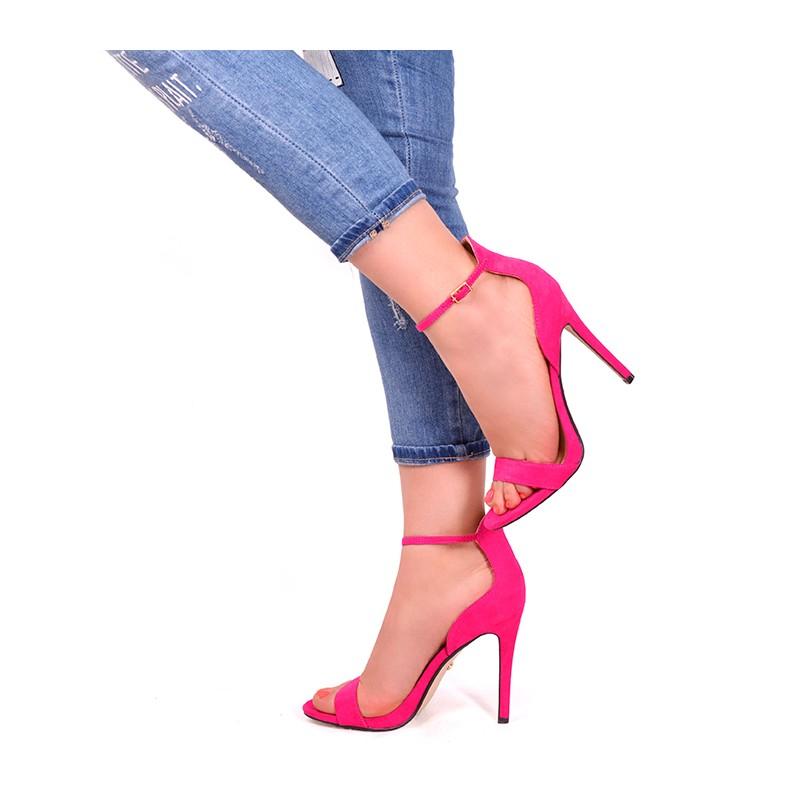 96ec637035d0 Predchádzajúci. Ružové sandále na tenkom opätku ...