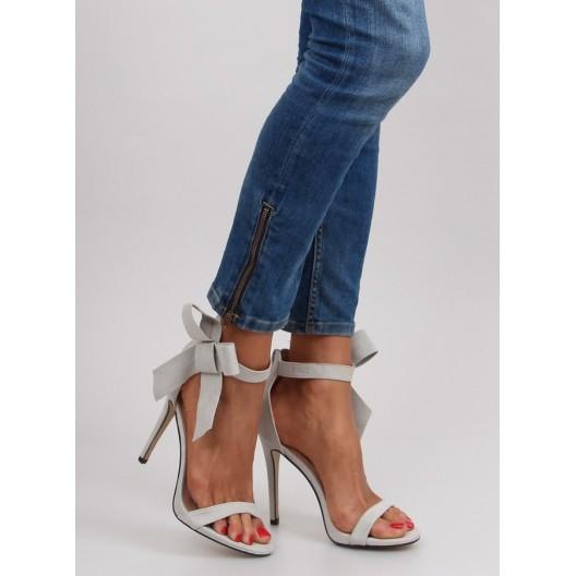 Dámske sandále s mašličkou v sivej farbe