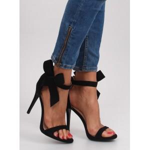 Dámske sandále na vysokom podpätku v čiernej farbe