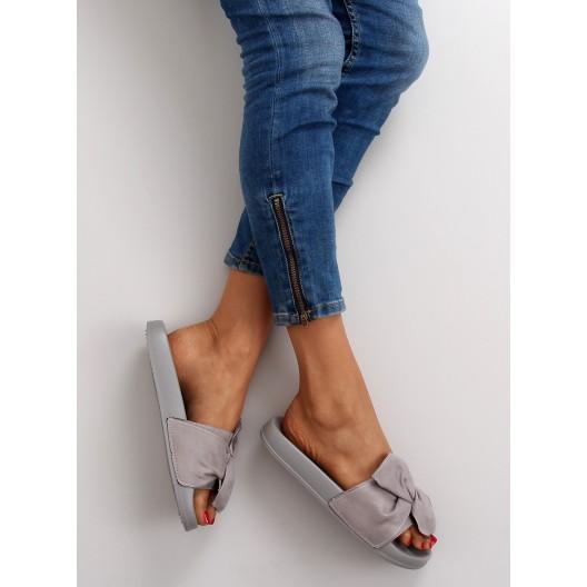 Letné dámske šľapky s mašličkou v sivej farbe