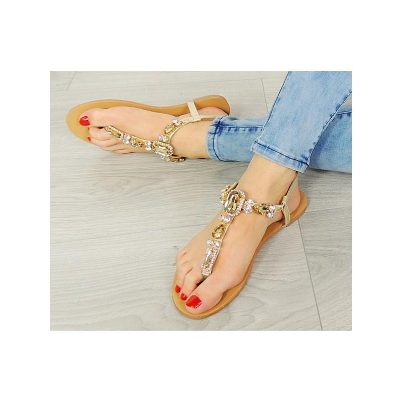c15621e356d6 Dámske kamienkové sandále zlatej farby - fashionday.eu