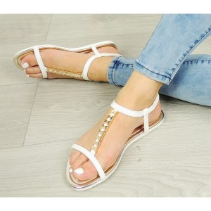 Elegantné biele dámske sandále s otvorenou špičkou a pätou
