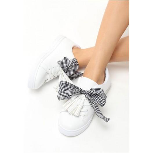 Biele dámske športové tenisky s mašľou a strapcami