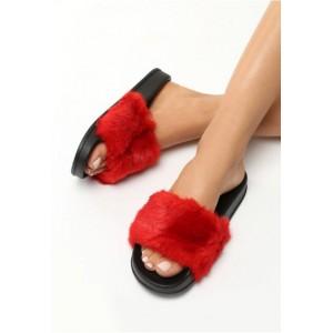 Chlpaté červené dámske šľapky na leto