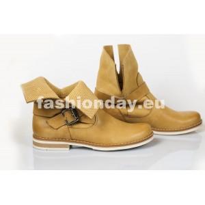 Dámske kožené topánky dierkované pieskové DT206