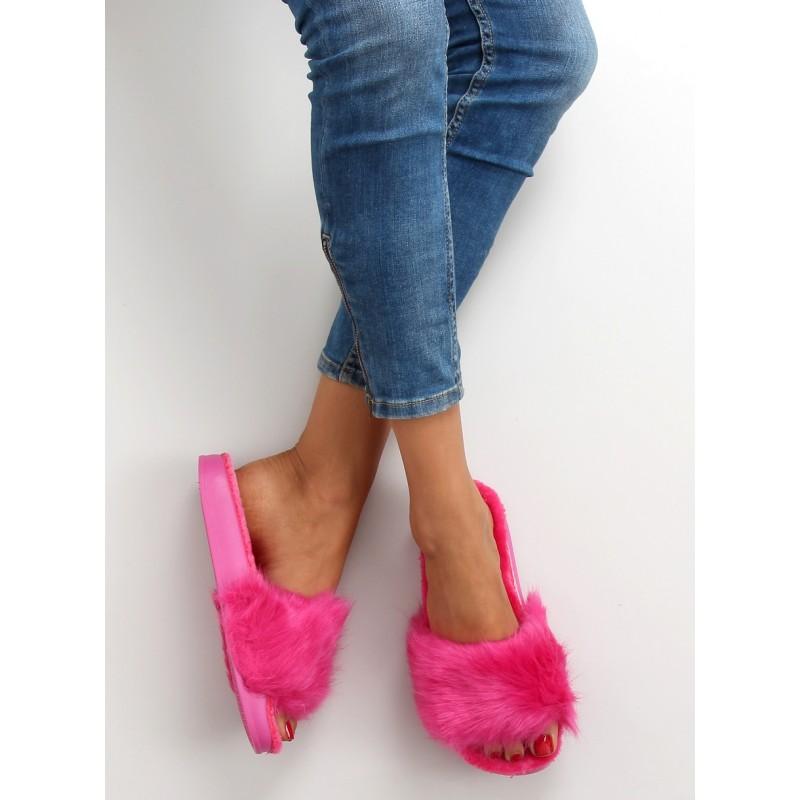 94f860f34104 Ružové dámske chlpaté šľapky - fashionday.eu