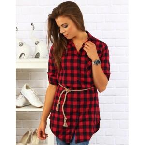 Červená dámska košeľa s doplnkom