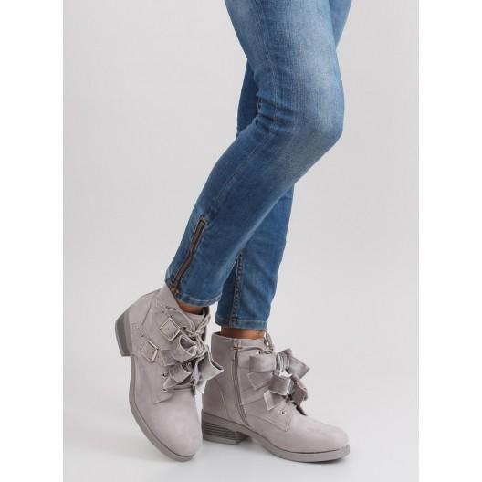 Moderné dámske kotníkové topanky v sivej farbe