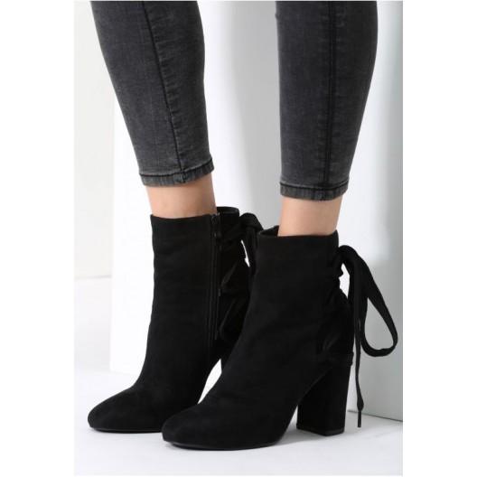Štýlová dámska zimná obuv čiernej farby