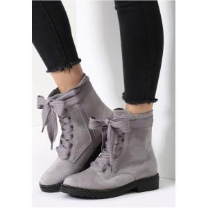 Sivá dámska obuv na nízkom podpätku