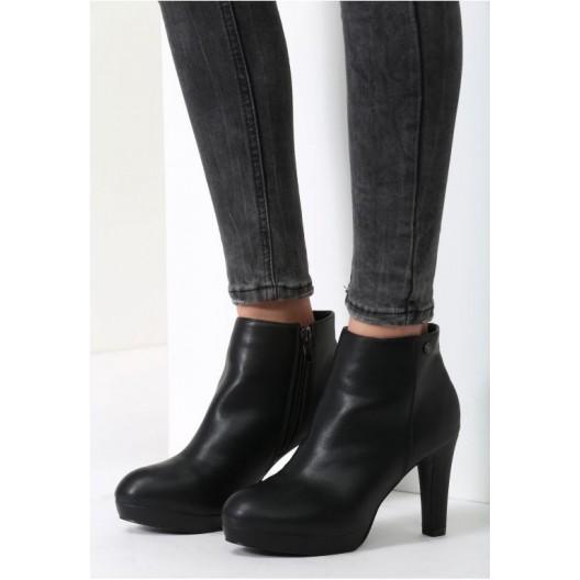 Zimné dámske topánky čiernej farby