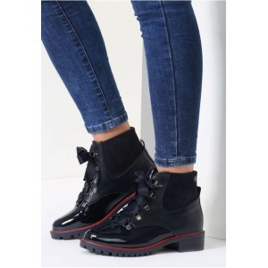Tmavo modré dámske topánky na jeseň