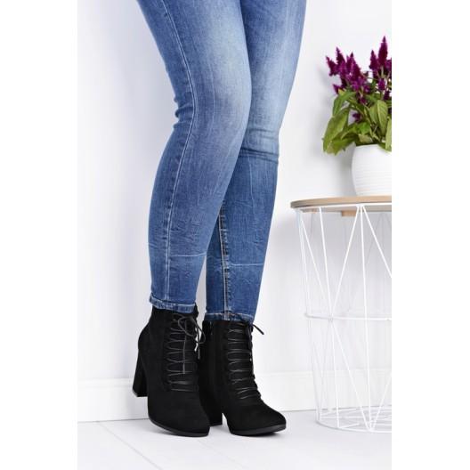 Čierne dámske topánky so šnurovaním