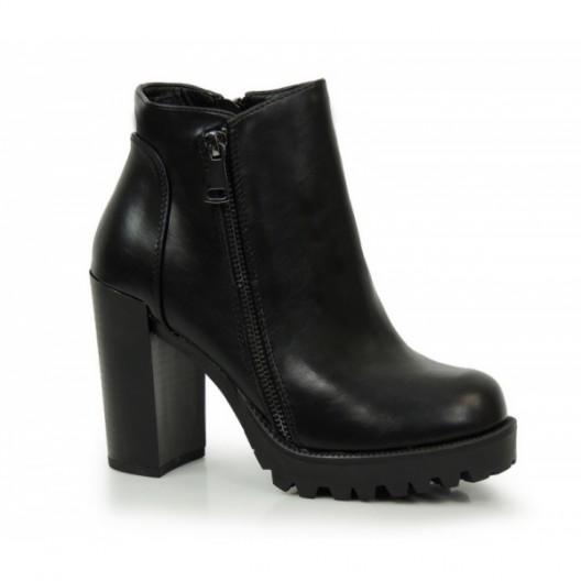 Elegantné dámske čižmy na zimu v čiernej farbe