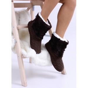 Zateplené dámske papuče v hnedej farbe