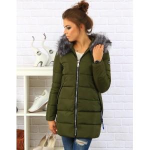 Dámska bunda na zimu v zelenej farbe