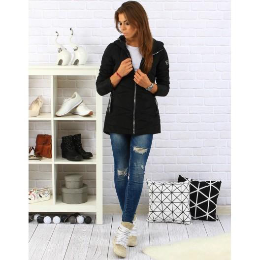 Dámska zimná bunda v čiernej farbe