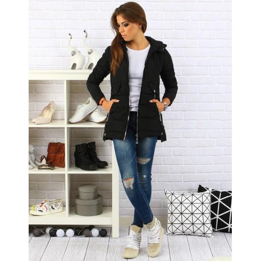 Dámska bunda na zimu v čiernej farbe