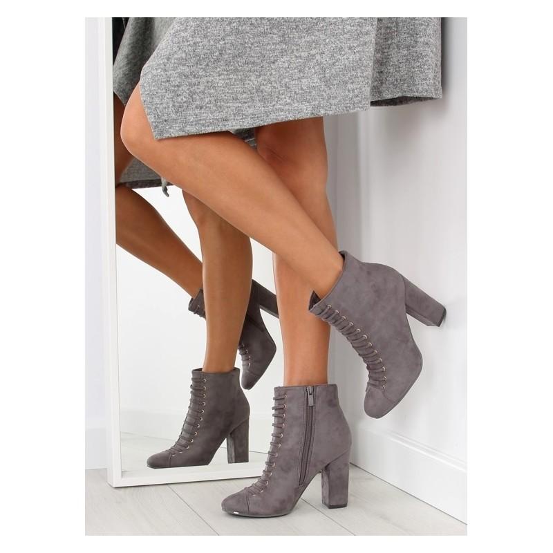 34ad46278c6c Predchádzajúci. Sivé dámske kotníkové topánky na šnúrovanie ...