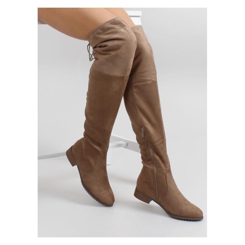61d35cdb7 Predchádzajúci. Hnedé dámske zimné čižmy nad kolená ...