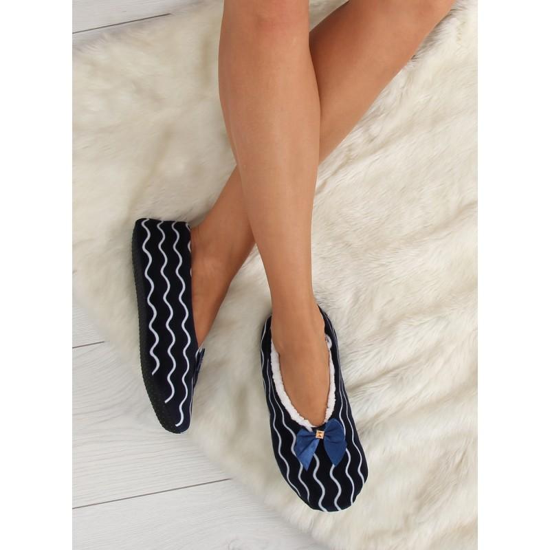 Dámska obuv Papuče. Predchádzajúci. Zateplené dámske papuče tmavo modrej  farby ... 9ab3decafee