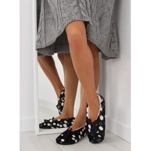Moderné dámske papuče čiernej farby