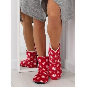 Červené dámske papuče s motívom vločiek