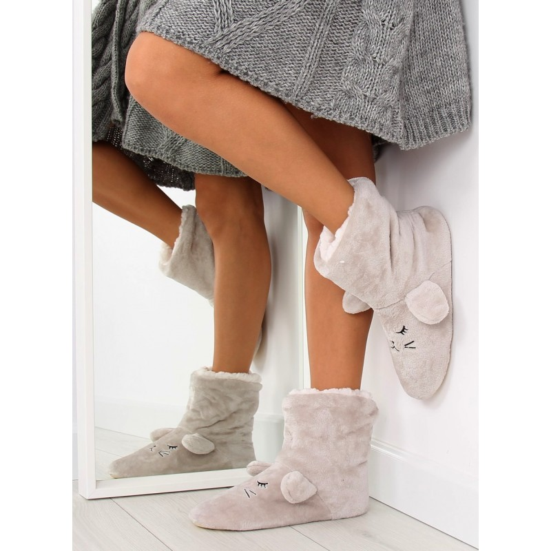e1727a8fe7bb Sivé dámske papuče na zimu s uškami - fashionday.eu