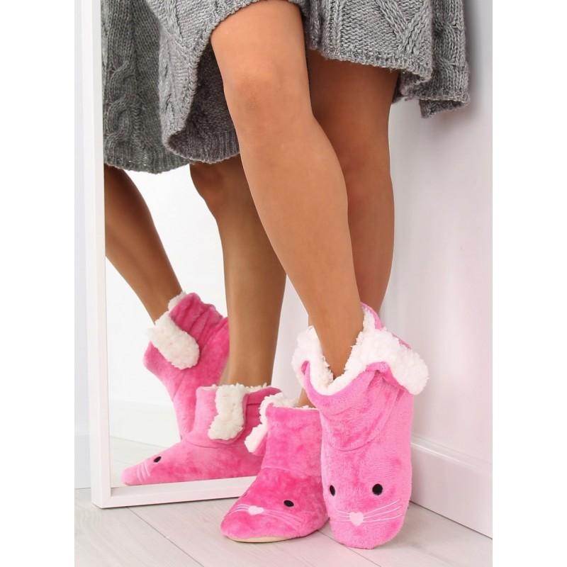 4fa3e6ad55 Predchádzajúci. Teplé dámske papuče v ružovej farbe ...