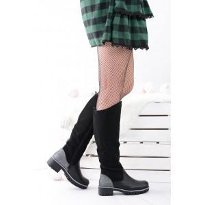Čierne dámske čižmy so strieborným doplnkom