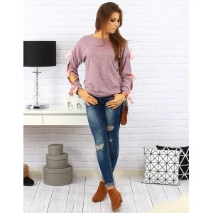 Jednoduché dámske svetre s mašličkami na rukávoch v ružovej farbe