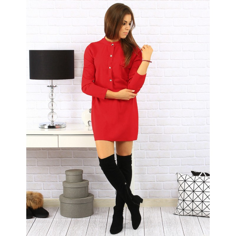 Predchádzajúci. Krátke dámske šaty červenej farby so zlatými gombíkmi ... 070fc7fafb8