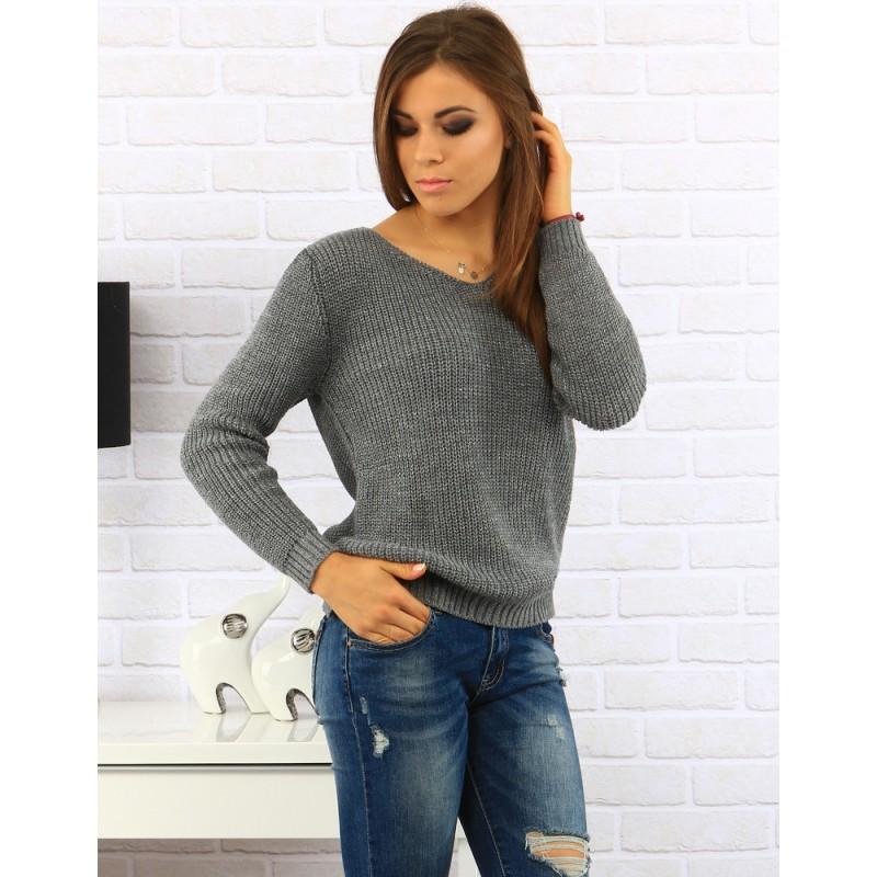 7c2b7115bc04 Jednoduchý dámsky sveter so strihanou zadnou stranou v sivej farbe ...