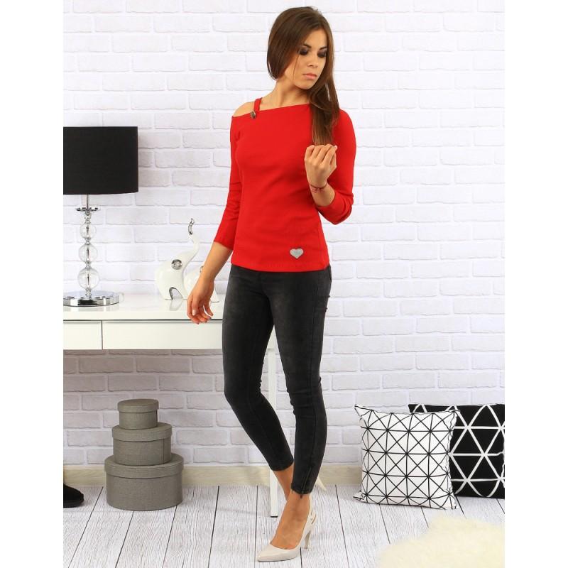 031cb35394a6 Jednoduché červené dámske svetre s trojštvrťovým rukávom a srdiečkom ...