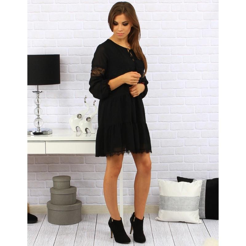 6d15bf3ee47e Dámske krátke šaty nad kolená v čiernej farbe kombinované čiernou ...