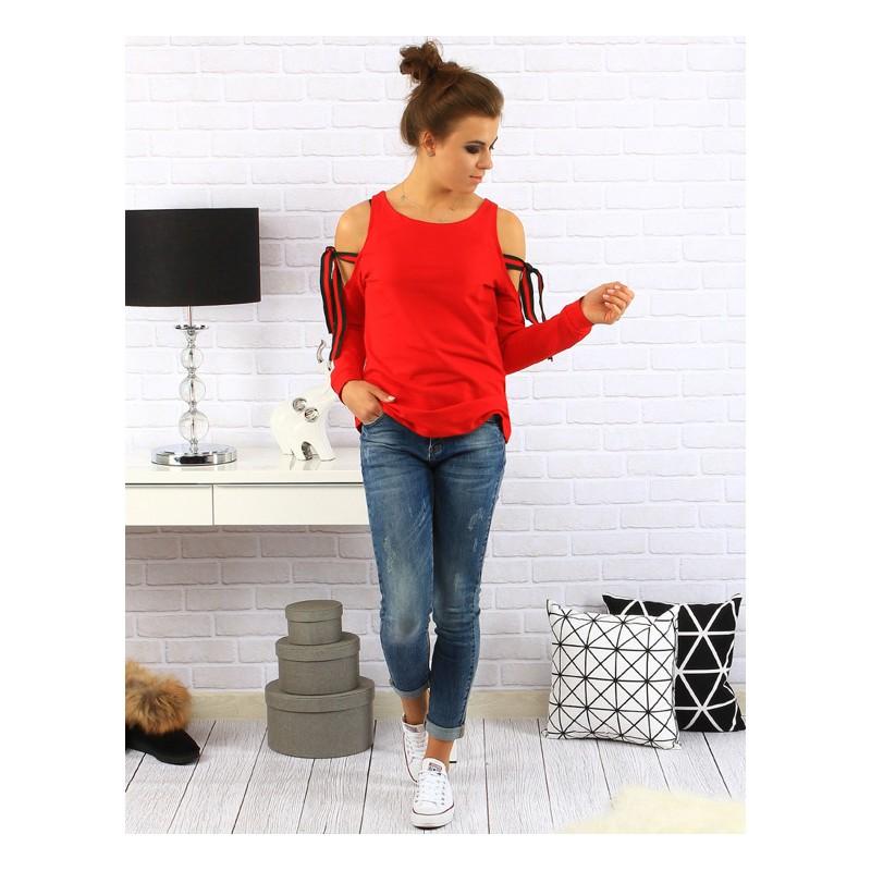 1b0f4085d5c9 Elegantný dámsky sveter v červenej farbe s viazaním na ramenách ...